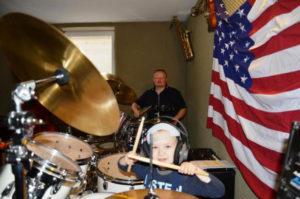 a NEWS 2017 Schlagzeugunterricht Muenster Schlagzeug lernen Muenster 4ifa 300x199 - Kinder ans Schlagzeug
