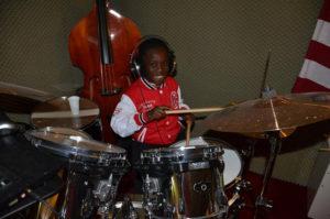 a NEWS 2017 Schlagzeugunterricht Muenster Schlagzeug lernen Muenster d 300x199 - Kinder ans Schlagzeug
